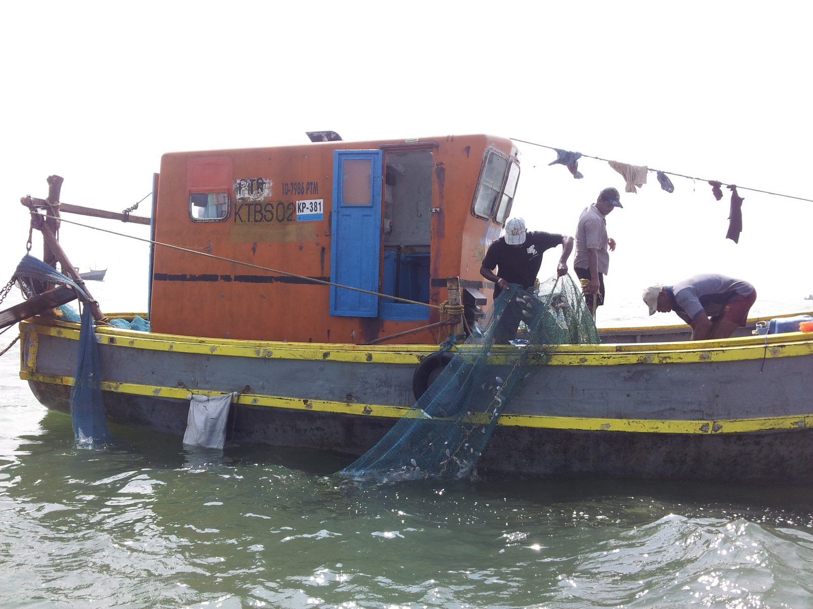 Illegal Bottom Trawling in Sri Lanka